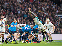 Twickenham, United Kingdom.  Maro ITOJI, blocking, Giorgio BRONZINI'S, clearance kick, during the  6 Nations International Rugby Match, England vs Italy at the RFU Stadium, Twickenham, England, <br /> <br /> Sunday  26/02/2017<br /> <br /> [Mandatory Credit; Peter Spurrier/Intersport-images]