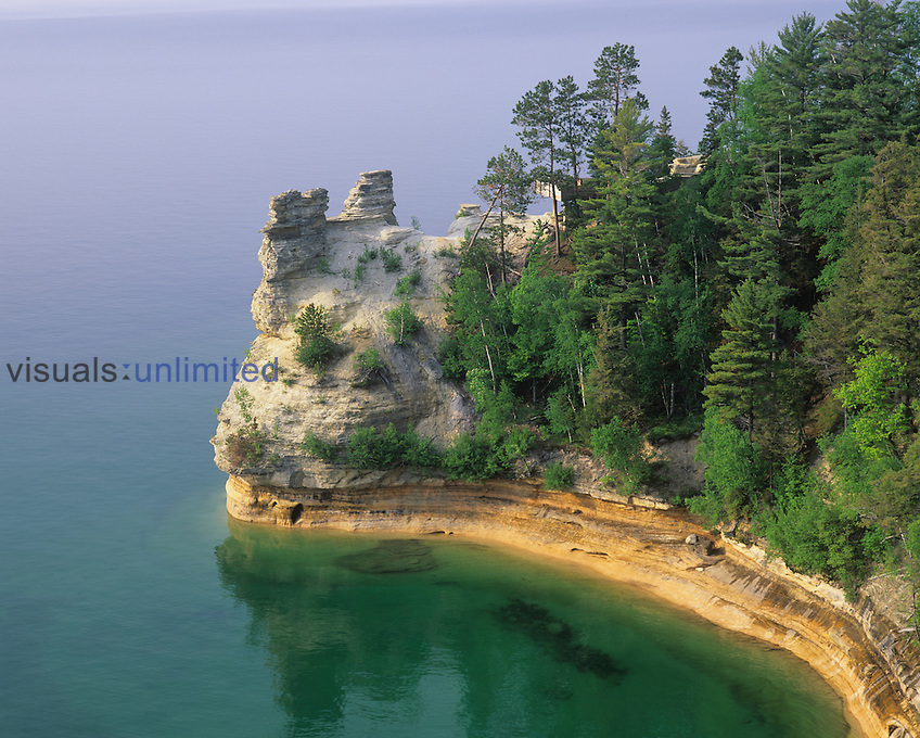 Miners Castle on Lake Superior, Pictured Rocks National Seashore, Michigan, USA.