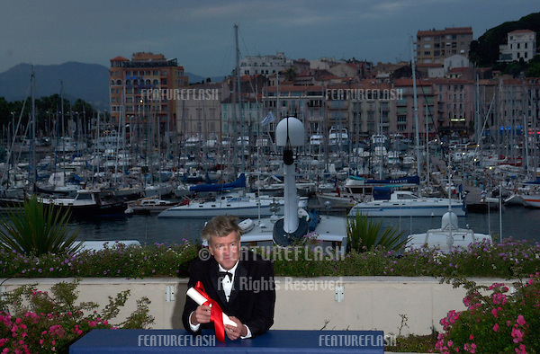 Director DAVID LYNCH, co-winner of the Best Director award, at the closing ceremony and awards for the 54th Cannes Film Festival..20MAY2001. © Paul Smith/Featureflash