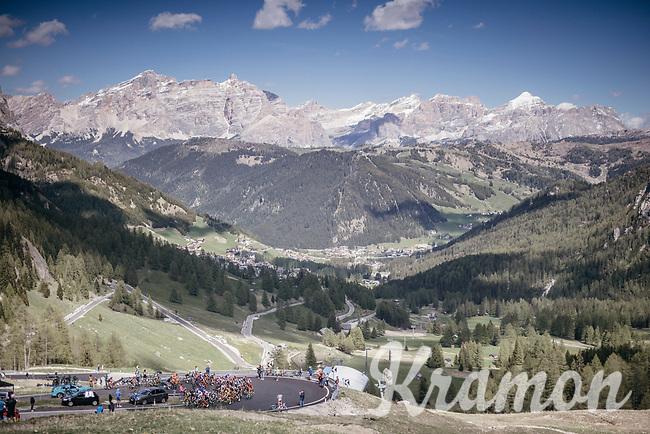 up the Passo Gardena / Gr&ouml;dnerjoch (2221m)<br /> <br /> Stage 18: Moena &rsaquo; Ortisei/St. Urlich (137km)<br /> 100th Giro d'Italia 2017
