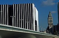 Europe/France/Ile-de-France/75012/Paris: Le pont Charles de Gaulle et la gare de Lyon