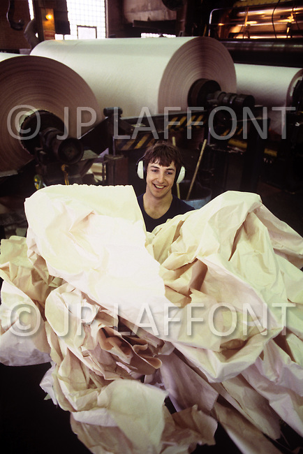 Quebec, Canada, March 1978. Daily life in Quebec. The production process in a paper mill.