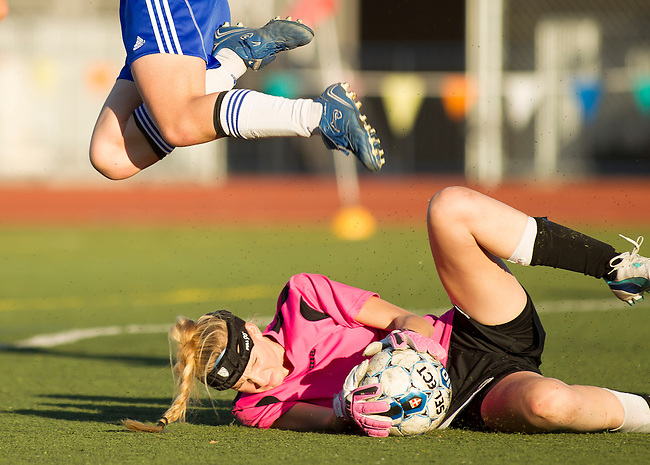 Monte Vista High School at Los Altos High School Girls Varsity Soccer, January 15, 2014.