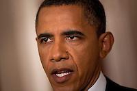 """BAN06. WASHINGTON (EEUU), 01/05/2011.- El presidente de Estados Unidos, Barack Obama, anuncia hoy, domingo 1 de mayo de 2011, la muerte de Osama bin Laden, el terrorista más buscado del mundo, en una alocución desde la Casa Blanca, en Washington (EEUU). Obama afirmó que tras haber recibido informaciones de inteligencia fiables sobre el lugar donde se encontraba Bin Laden, en Pakistán, la semana pasada dio la orden de atacar y hoy """"un pequeño grupo"""" estadounidense condujo la operación, en la que, tras un intercambio de fuego, se hizo con el cuerpo del terrorista. EFE/BRENDAN SMIALOWSKI...."""