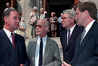Pierre Nadeau, Jacques fauteux, Richard Garneau, Claude Quenneville<br /> a des <br /> Funerailles non-identifié reliée a radio canada, date inconnue (entre 1994 et 2004)