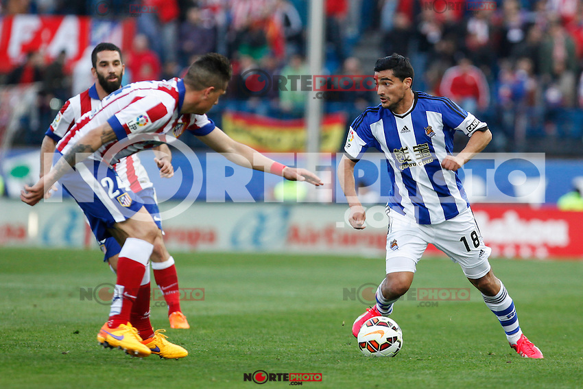 Atletico de Madrid´s Gimenez and Real Sociedad´s Chory Castro during La Liga match at Vicente Calderon stadium in Madrid, Spain. April 07, 2015. (ALTERPHOTOS/Victor Blanco) /NORTEphoto.com