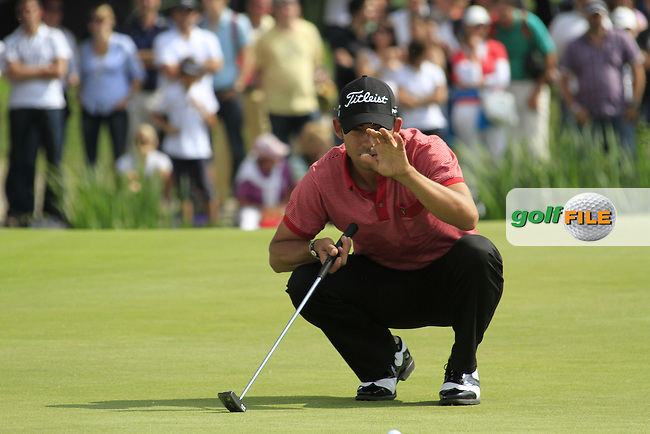 Pablo Larrazabal (ESP) lines up his putt on the 18th green during the Final Day of the BMW International Open at Golf Club Munchen Eichenried, Germany, 26th June 2011 (Photo Eoin Clarke/www.golffile.ie)