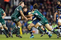 Elliott Stooke of Bath Rugby takes on the London Irish defence. Aviva Premiership match, between London Irish and Bath Rugby on November 19, 2017 at the Madejski Stadium in Reading, England. Photo by: Patrick Khachfe / Onside Images