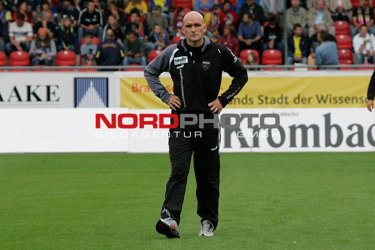 RLN 2007/2008 1. Spieltag Hinrunde<br /> Eintracht Brauschweig - Kickers Emden <br /> <br /> Stefan Emmerling, Trainer von Kickers Emden<br /> <br /> Foto: &copy; nph ( nordphoto )<br /> <br />  *** Local Caption ***