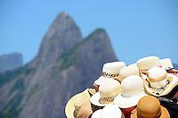 RIO DE JANEIRO, RJ, 07.02.2014 - CLIMA TEMPO / PRAIA / IPANEMA / RJ- Movimentação de banhistas na praia de Ipanema, com muito sol e calor e comprevisão de final de semana com dias quentes, na manhã desta sexta-feira (07), em Ipanema na zona sul da cidade do Rio de Janeiro, na  desta . (Foto: Marcelo Fonseca / Brazil Photo Press).