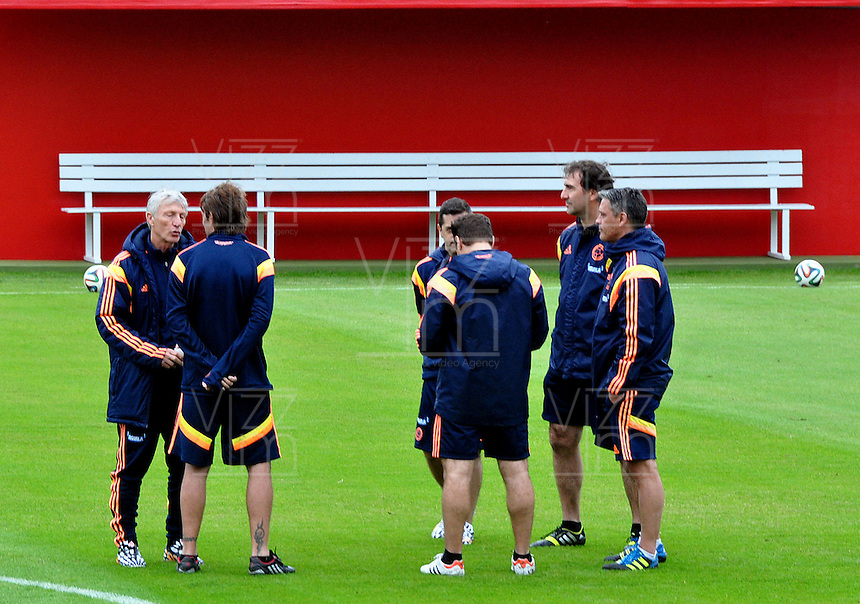 SAO PAULO Cotia- BRASIL -10-06-2014. El cuerpo técnico de la selección de fútbol de Colombia durante el entrenamiento del equipo en Cotia previo a su primer partido ante Grecia en la Copa Mundial de la FIFA Brasil 2014./ The coaching staff of the Colombia National Soccer Team during the training on the team in Cotia prior their first match against Grece in the 2014 FIFA World Cup Brazil. Photo: VizzorImage / Alfredo Gutiérrez / Cont