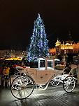 Krakowski rynek w świątecznej szacie.