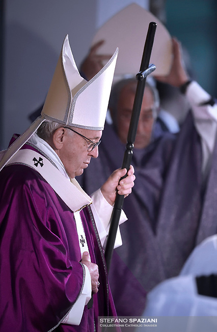 Pope Francis leads the All Souls Day Papal mass for the Commemoration of all the faithful departed on November 2, 2018 at the Cimitero Laurentino, a cemetery on the outskirts of Rome.