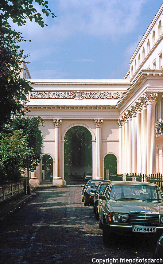 London: Chester Terrace, Regents Park. John Nash 1825.  Photo '79.