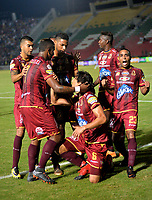 IIBAGUÉ - COLOMBIA, 8-04-2018:Rafael Robayo de Deportes Tolima  celebra después de anotar un gol al Atlético Junior durante partido por la fecha 13 de la Liga Águila I 2018 jugado en el estadio Manuel Murillo Toro de la ciudad de Ibagué . / Rafael Robayo payer of Deportes Tolima   celebrates after scoring a goal to Atletico Junior   during match for the date 13 of the Aguila League I 2018 at Manuel Murillo Toro stadium in Ibague  city. Photo: VizzorImage/ Juan Carlos Escobar /  Contribuidor