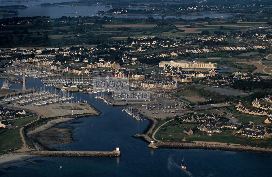 Europe/France/Bretagne/56/Morbihan/Presqu'île de Rhuys/Port de Crouesty: Vue aérienne du port
