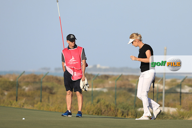Trish Johnson (ENG) during the second round of the Fatima Bint Mubarak Ladies Open played at Saadiyat Beach Golf Club, Abu Dhabi, UAE. 11/01/2019<br /> Picture: Golffile | Phil Inglis<br /> <br /> All photo usage must carry mandatory copyright credit (© Golffile | Phil Inglis)