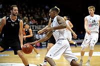 GRONINGEN - Basketbal, Donar - BSW Weert, Martiniplaza,  Dutch Basketball League, seizoen 2017-2018, 28-10-2017,  Donar speler Jason Dourisseau met BSW Weert speler Akeel Eduardo