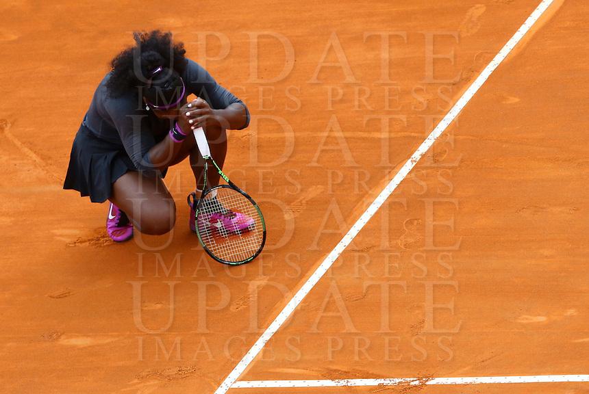 La statunitense Serena Williams durante la finale femminile degli Internazionali d'Italia di tennis a Roma, 15 maggio 2016.<br /> United States' Serena Williams reacts during the women's final match of the Italian Open tennis in Rome, 15 May 2016.<br /> UPDATE IMAGES PRESS/Riccardo De Luca