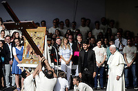 Papa Francesco prega durante l'incontro con i giovani in Piazza Vittorio Veneto durante la sua visita pastorale alla Sacra Sindone di Torino, 21-06-2015.<br /> Pope Francis prays with young people during his visit of the Holy Shroud in Turin, Italy. The Christian tradition identifies this linen cloth as the one used to wrap the body of Jesus Christ in the tomb. <br /> Foto Giorgio Perottino/Insidefoto