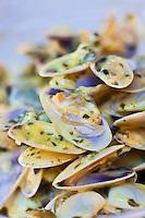 Europe/France/Provence-Alpes-Côte d'Azur/13/Bouches-du-Rhône/Env d'Arles/Salins-de-Giraud: Tellines à la camarguaise recette du  restaurant: Les Saladelles