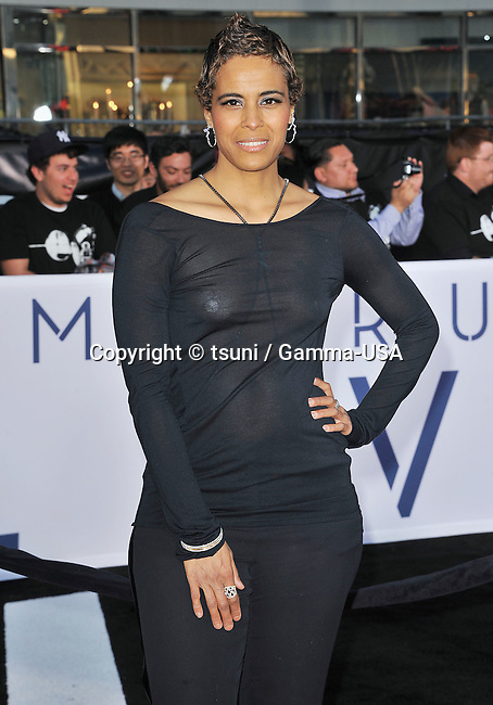 Daphne Wayans  arriving at the 7609_ Oblivion Premiere at the Chinese Theatre in Los Angeles.