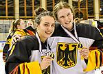 09.01.2020, BLZ Arena, Füssen / Fuessen, GER, IIHF Ice Hockey U18 Women's World Championship DIV I Group A, <br /> Siegerehrung, <br /> im Bild das deutsche Team feiert seinen Erfolg, Ronja Hark (GER, #8), Sofie Disl (GER, #20)<br /> <br /> Foto © nordphoto / Hafner