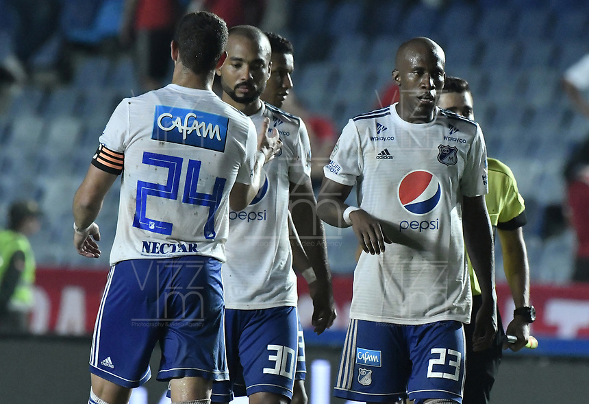 CALI - COLOMBIA, 21-04-2019: Jugadores de Millonarios después del partido por la fecha 17 de la Liga Águila I 2019 entre América de Cali y Millonarios jugado en el estadio Pascual Guerrero de la ciudad de Cali. / Players of Millonarios after match for the date 17 as part of Aguila League I 2019 between America Cali and Millonarios played at Pascual Guerrero stadium in Cali. Photo: VizzorImage / Gabriel Aponte / Staff
