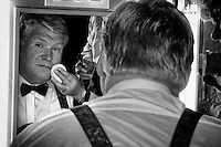 The late Derek Davis who died on Wednesday pictured backstage preparing to host the 'Rose of Tralee' in 1995 after the long running host Gay Byrne took ill at the last moment. <br /> Picture by Don MacMonagle - macmonagle.com