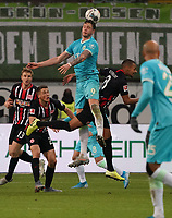 Wout Weghorst (VfL Wolfsburg) gegen Djibril Sow (Eintracht Frankfurt) - 23.11.2019: Eintracht Frankfurt vs. VfL Wolfsburg, Commerzbank Arena, 12. Spieltag<br /> DISCLAIMER: DFL regulations prohibit any use of photographs as image sequences and/or quasi-video.