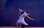 SIGNES.Choregraphie : CARLSON Carolyn.Compositeur : AUBRY Rene.Compagnie : Ballet de l Opera national de Paris.Decor : DEBRE Olivier.Lumiere : BESOMBES Patrice.Costumes : DEBRE Olivier.Avec :.GILLOT Marie Agnes.BELARBI Kader.Lieu : Opera Bastille.Ville : Paris.Le : 27 06 2008.© Laurent © L Paillier / photosdedanse.com.All rights reserved
