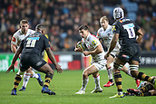 2nd December 2017, Rioch Arena, Coventry, England; Aviva Premiership rugby, Wasps versus Leicester; Ben Youngs of Leicester Tigers gets ready for contact with Simon Mcintyre of Wasps