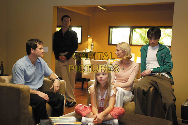 DYLAN WALSH, JULIAN McMAHON, KELSEY BATELAAN, JOELY RICHARDSON & JOHN HENSLEY.in Nip/Tuck.Filmstill - Editorial Use Only.Ref: FB.sales@capitalpictures.com.www.capitalpictures.com.Supplied by Capital Pictures.