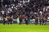Fans feuern die Eintracht auf der Ehrenrunde an - 02.05.2019: Eintracht Frankfurt vs. Chelsea FC London, UEFA Europa League, Halbfinale Hinspiel, Commerzbank Arena DISCLAIMER: DFL regulations prohibit any use of photographs as image sequences and/or quasi-video.