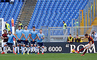 Calcio, Serie A: Roma vs Lazio. Roma, stadio Olimpico, 8 novembre 2015.<br /> Roma's Lucas Digne, right, kicks a free kick during the Italian Serie A football match between Roma and Lazio at Rome's Olympic stadium, 8 November 2015.<br /> UPDATE IMAGES PRESS/Riccardo De Luca
