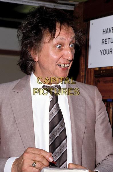 KEN DODD.Ref: 007.www.capitalpictures.com.sales@capitalpictures.com.©Capital Pictures.