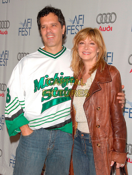 SHARON LAWRENCE & GUEST.attends AFI Film Festival Screening of Lies & Alibis held at the Arclight Rooftop in Hollywood, California, USA, November 10th 2006.half length.Ref: DVS.www.capitalpictures.com.sales@capitalpictures.com.©Debbie VanStory/Capital Pictures