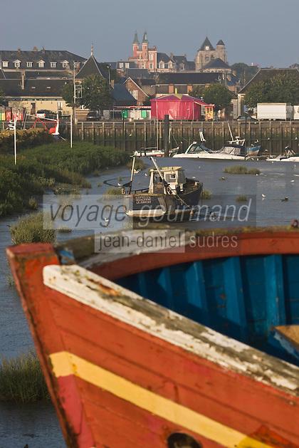 Europe/France/Picardie/80/Somme/Baie de Somme/ Le Crotoy: La sation et vieux bateaux de pêche
