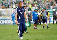 S&Atilde;O PAULO,SP, 14 JANEIRO 2011 - AMISTOSO PALMEIRAS X AJAX (HOL)<br /> O tecnico  do Ajax Frank de Boer  durante  partida entre as equipes do Palmeiras X Ajax (hol) realizada no  Est&aacute;dio Paulo Machado de Carvalho (Pacaembu) na zona oeste de S&atilde;o Paulo, neste Sabado (14). (FOTO: ALE VIANNA - NEWS FREE).