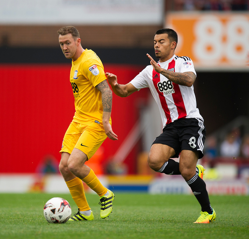 Preston North End's Aidan McGeady holds off the challenge from Brentford's Nico Yennaris<br /> <br /> Photographer Ashley Western/CameraSport<br /> <br /> The EFL Sky Bet Championship - Brentford v Preston North End - Saturday 17 September 2016 - Griffin Park - London<br /> <br /> World Copyright &copy; 2016 CameraSport. All rights reserved. 43 Linden Ave. Countesthorpe. Leicester. England. LE8 5PG - Tel: +44 (0) 116 277 4147 - admin@camerasport.com - www.camerasport.com