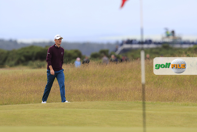 Justin Rose (ENG) walks onto the 14th green during Sunday's Round 3 of the 144th Open Championship, St Andrews Old Course, St Andrews, Fife, Scotland. 19/07/2015.<br /> Picture Eoin Clarke, www.golffile.ie