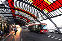 Nederland Amsterdam 2018. Het busstation achter Centraal Station. Streekvervoer. Foto Berlinda van Dam / Hollandse Hoogte