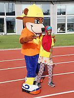 Nederland  Amsterdam  2016. De Johan Cruyff Foundation dag in Amsterdam. Een sportdag voor jongeren mét en zonder beperking in het Olympisch Stadion. Mascotte van de Cruyff Foundation. Foto Berlinda van Dam / Hollandse Hoogte