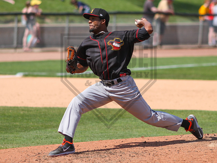 APPLETON - May 2015: Quad Cities River Bandits pitcher Reymin Guduan (21) during a game against the Wisconsin Timber Rattlers on May 2nd, 2015 at Fox Cities Stadium in Appleton, Wisconsin.  Quad Cities defeated Wisconsin 5-2.  (Brad Krause/Four Seam Images)
