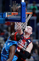 Asefa Estudiantes' Tariq Kirksay (l) and Caja Laboral Baskonia's Maciej Lampe during Liga Endesa ACB match.January 6,2012. (ALTERPHOTOS/Acero) /NortePhoto