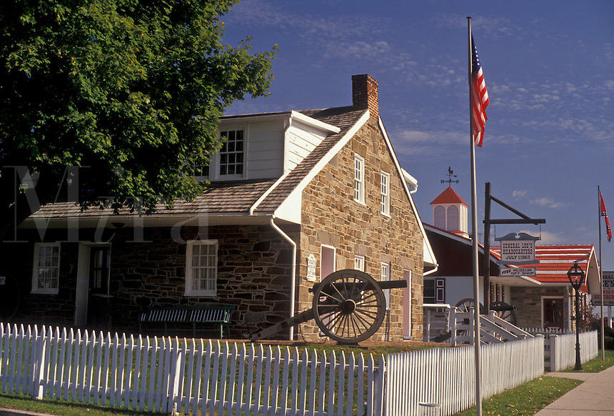 AJ3181, General Lee's Headquarters, museum, Gettysburg, Pennsylvania, A white picket fence surrounds General Lee's Headquarters Museum housed in a stone building that dates from the early 1800's in Gettysburg in the state of Pennsylvania.