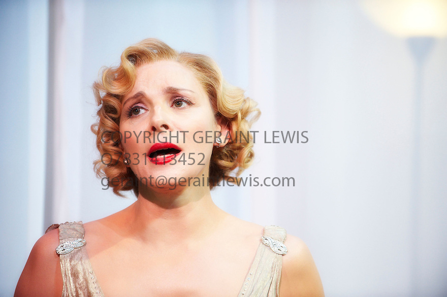 Private Lives by Noel Coward,directed by Richard Eyre.With Kim Cattrall as Amanda.Opens at The Vaudaville Theatre on 3/3/10 Credit Geraint Lewis
