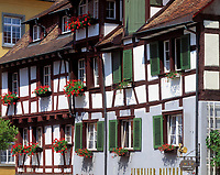 DEU, Deutschland, Baden-Wuerttemberg, Bodensee, Meersburg: Fachwerkhaeuser am Schloßplatz | DEU, Germany, Baden-Wuerttemberg, Lake Constance, Meersburg: half timbered houses at castle square