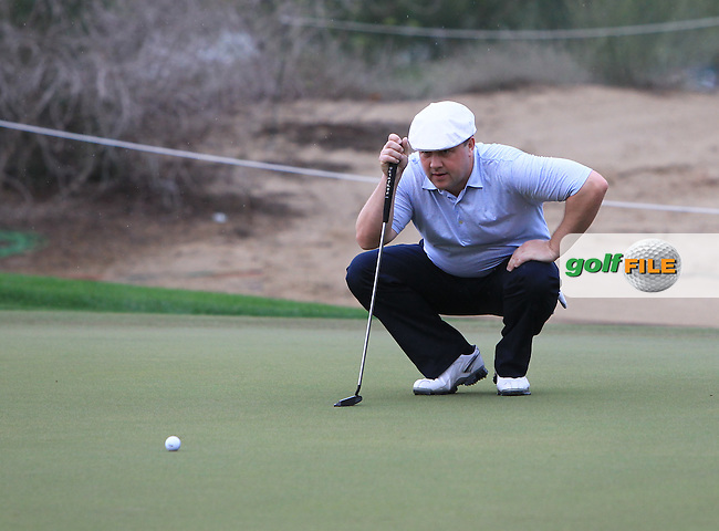 Chris Doak (SCO) lines up his putt on the 12th green during Saturday's Round 3 of the 2013 Omega Dubai Desert Classic held at the Emirates Golf Club, Dubai, 2nd February 2013..Photo Eoin Clarke/www.golffile.ie