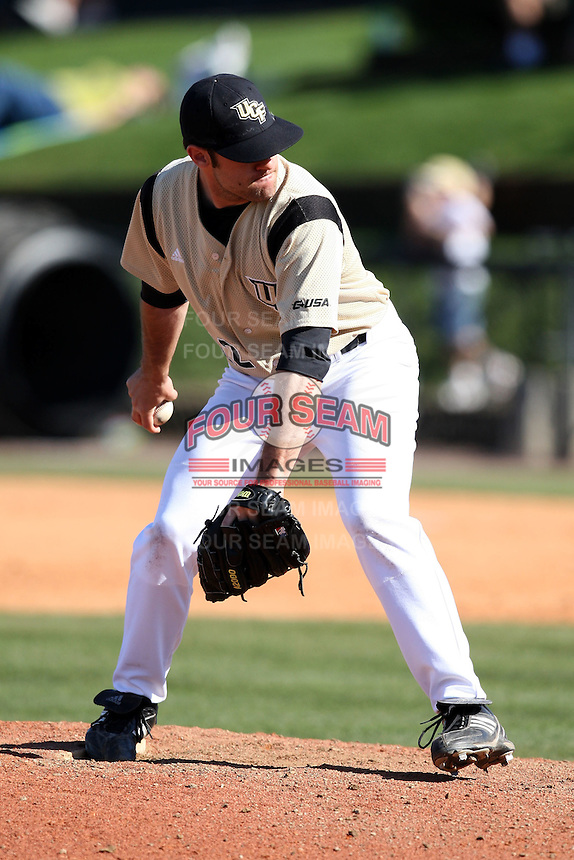 March 7, 2010:  Pitcher Matt Manning of the Central Florida Knights during game at Jay Bergman Field in Orlando, FL.  Central Florida lost to Central Michigan by the score of 7-4.  Photo By Mike Janes/Four Seam Images